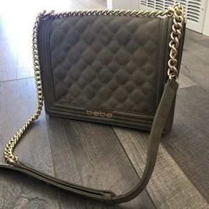 Bebe sage (boyfriend style) gold chain purse